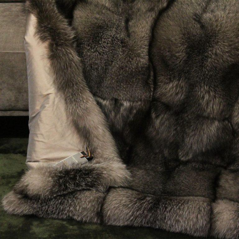 Fuchsdecke-Blue-Frost-Fox-seide-madras-detail