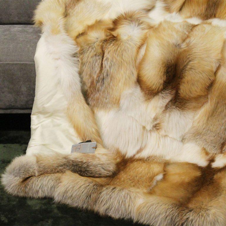 Fuchsdecke-Platinum-Gold-Fox-seide-crema-detail