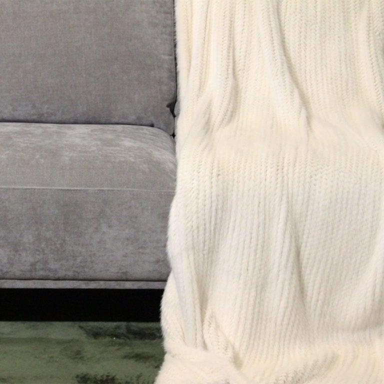 Nerz-gestrickt-white-140x200-detail